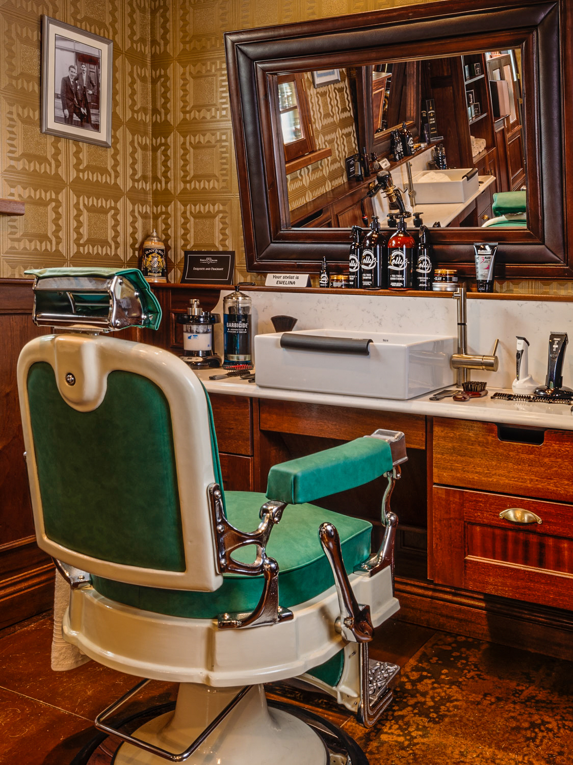 interiour-photographer-Mayo-Ireland-Kellys-Barbers-3